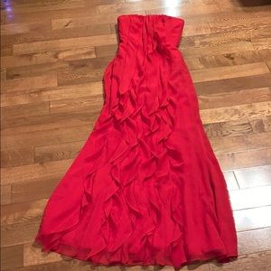 Vera Wang White red strapless chiffon gown size 2